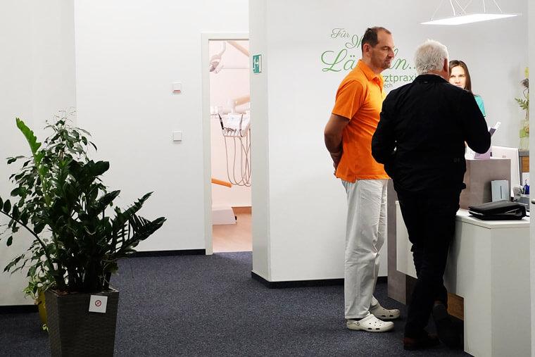 Terminbesprechung in der Zahnarztpraxis Andreas Gniech in Rudolstadt